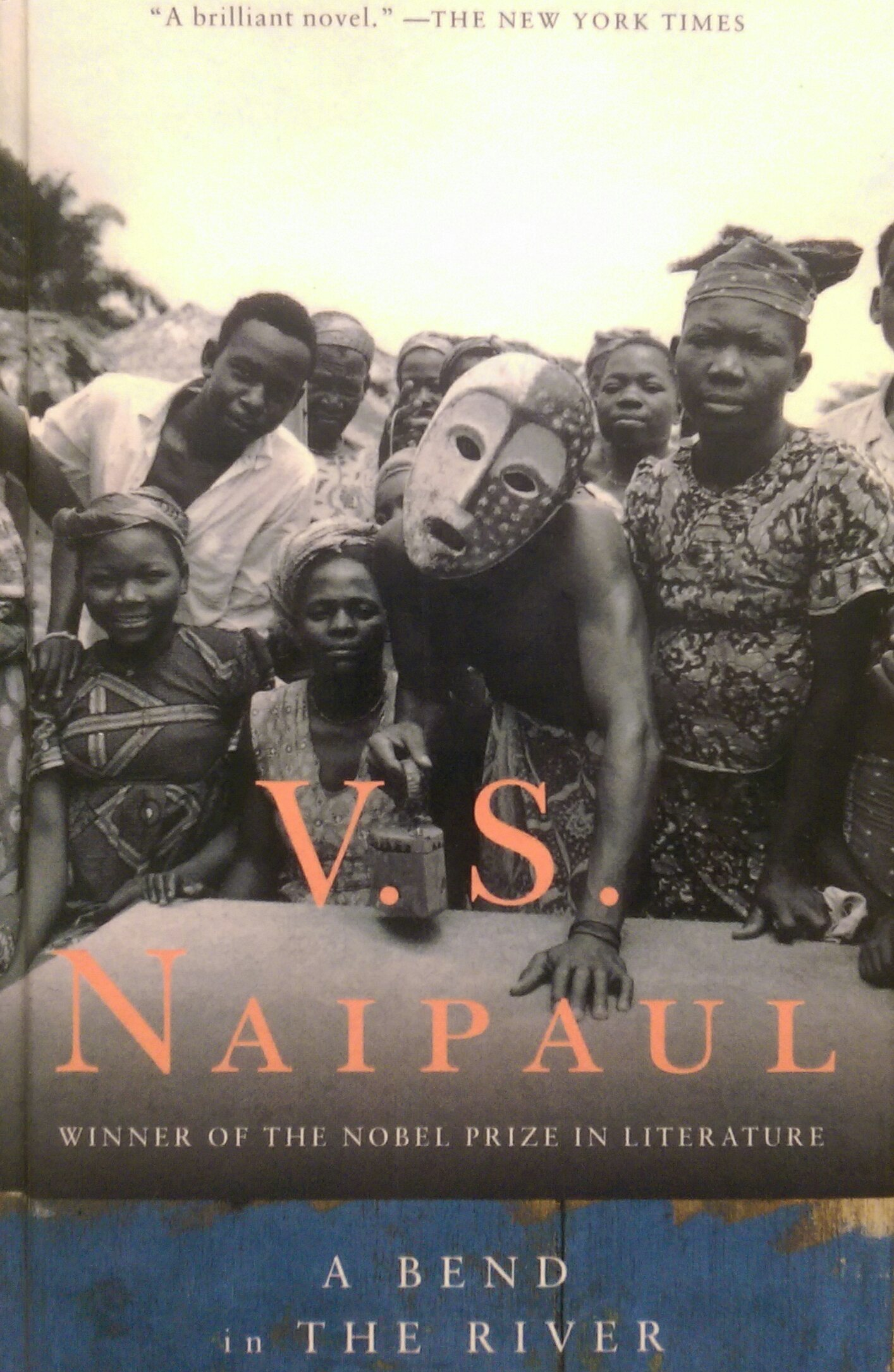 character analysis of salim in a bend in the river by v s naipaul A bend in the river: v s naipaul  i was particularly impressed by salim's first experience of the voice of joan baez, when a record of hers was played at a party.